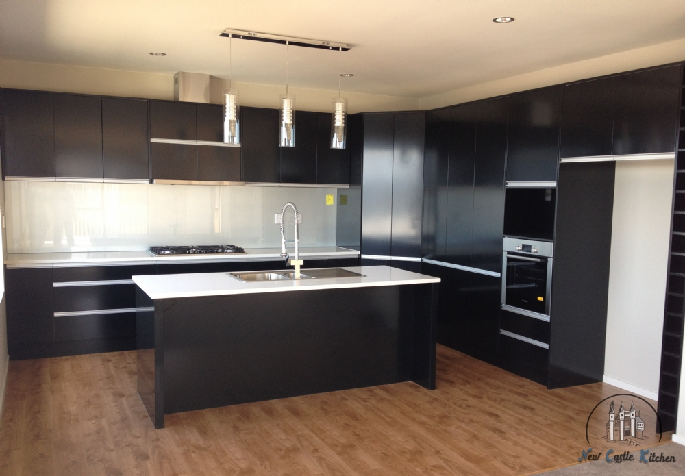 lacquer black kitchen with aluminium recessed handles - Kitchen Cabinets Nz